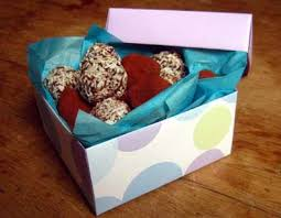 how to use tissue paper in a gift box boxes and wrap for gourmet toffee gifts best 25 paper gift bags