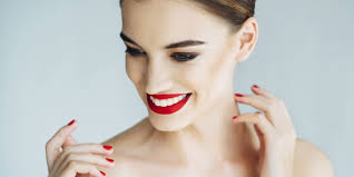 hairstyles to disguise turkey neck 5 ways to hide turkey neck youbeauty