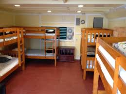 Bunk Beds Hawaii Kona Downtown Big Dormitory 8 Bed Pineapple Park Hostels Hawaii