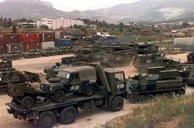 future military vehicles file british army vehicles at croatia jpeg wikimedia commons