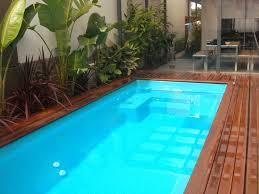 piscine en verre en coque polyester