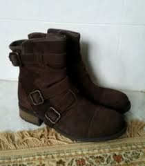 ugg womens finney boots ugg womens boots mini bailey button ii chestnut size 10 uk