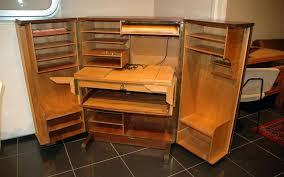 bureau dans une armoire bureau dans une armoire a armoire basse bureau rideau meetharry co