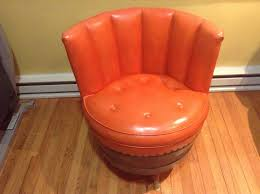 Retro Accent Chair Vintage 1970 U0027s Retro Whiskey Barrel Swivel Accent Chair Bonded