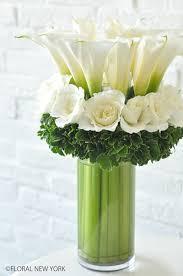 white floral arrangements dsc 0004 フローラルニューヨーク 大塚智香子のスタイルのある暮らし