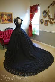 901 best dresses and gowns black and gothic images on pinterest