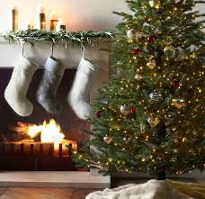 Christmas Tree Decorated With Stockings by 10 Christmas Stockings With Modern Style