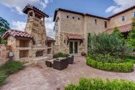italian country homes 31 mediterranean tuscan homes with courtyards mediterranean with
