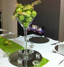 adorable mirror center pieces featuring white floating candles and home accessories splendid mirror center pieces with wine glass plus green balls design and circular