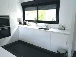 cuisine blanc brillant plan de travail cuisine blanc laquac plan de travail cuisine blanc