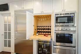 cave a vin dans cuisine cuisine avec cave a vin 4 12 mani232res dint233grer une cave 224