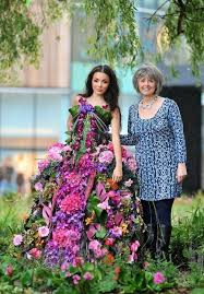 real flowers dresses made up of real flowers you didn t
