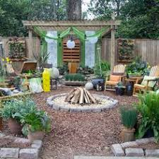 Small Backyard Gardens by How To Make A Pea Gravel Patio Beautiful Design Gravel Patios