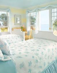 Cottage Themed Bedroom by Best 25 Cottage Bedrooms Ideas On Pinterest Beach Cottage
