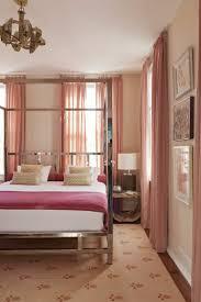 Schlafzimmer Bett Metall Wandfarbe Altrosa Gestaltung Eines Komfortablen Ambientes