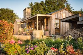 Small Cottage Homes The Rustic And Romantic Firefly Cabin Small House Bliss