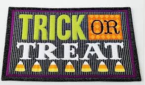 trick or treat halloween placemats set of 2 amazon co uk