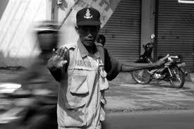 6 Tipe Tukang Parkir Di Indonesia [lensaglobe.blogspot.com]