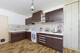 peinture pour formica cuisine peinture pour formica cuisine un vieux meuble rend hommage mondrian