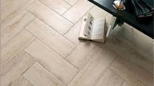 Laminate Flooring That Looks Like Wood Laminate Flooring That Looks Like Tile Mess Everybody Up Best