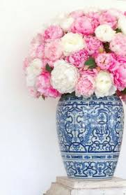 White Roses In A Vase Best 25 Flowers In A Vase Ideas On Pinterest Greenery Meaning