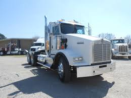buy kenworth t800 used 2013 kenworth t800 tandem axle daycab for sale in ms 6529