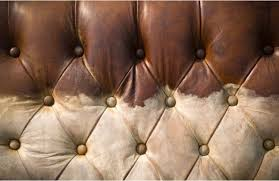 comment renover un canapé en cuir nettoyer et entretenir un canapé ou fauteuil en tissu alcantara