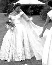 why jackie kennedy u0027s wedding dress designer was fashion u0027s u0027best