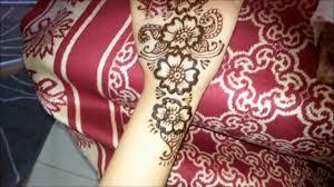 simple floral henna fusion style mehndi design