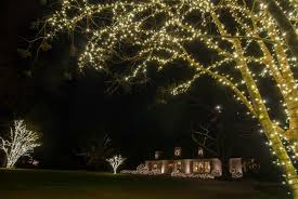 Outdoor Christmas Decorations Installers by Expert Christmas Lighting Design U0026 Professional Installation In