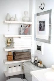 regal badezimmer trick für ein kleines badezimmer wenn kein schrank rein passt