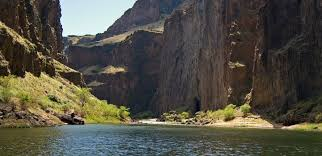 Oregon rivers images Oregon rafting trips momentum river expeditions jpg