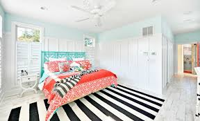 Black And White Striped Kitchen Rug How To Enhance A Décor With A Black And White Striped Rug