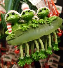 frogville ornamental frogs trio