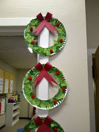 paper plate wreaths with tissue paper preschool crafts