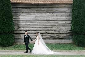 professional wedding photography 4 benefits of hiring a professional wedding photographer