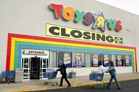 toys r us siege social toys r us closing bittersweet for and adults