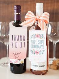 wine bottle bow check out these free printable wine bottle gift tags