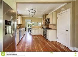 plancher ardoise cuisine plancher cuisine bois diffrences entre 3 types de revtement de