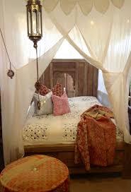 Boho Bed Canopy Chambre Bohème Atmosphère Romantique En Blanc Canopy Curtains