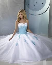 robe de mari e bleue robe mariée bleu et blanc le de la mode