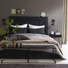 chambre avec lit noir noir gris blanc brun chambre gris blanc bedrooms