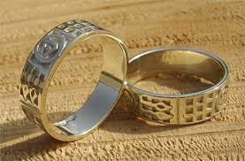 mens scottish celtic wedding ring love2have in the uk