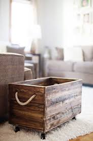 Diy Wooden Toy Box With Lid by 25 Best Pallet Boxes Ideas On Pinterest Rustic Storage Boxes