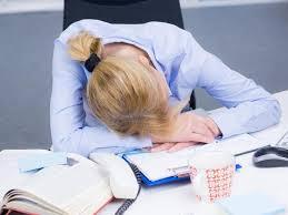que manger le midi au bureau cinq astuces pour éviter le coup de barre de l après midi au bureau