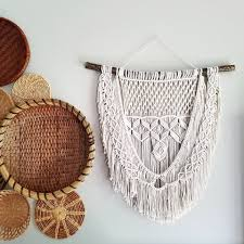 How To Hang Art Prints 10 Throwback Ways To Display Macrame