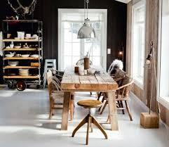 cuisine mur noir cuisines grande table bois masif cuisine murs noir 30 idées et