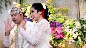 wedding dress nagita slavina bulan madu raffi ahmad dan nagita slavina kenapa nggak sekalian