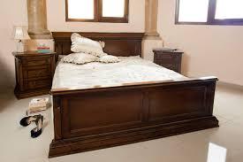 chambre à coucher chêtre chambre hetre ouedkniss avec awesome chambre a coucher en bois