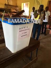 tenue d un bureau de vote tenue d elections apaisées au mali le rjeam sur les fonds